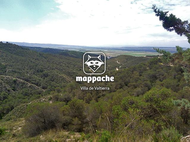 """Vistas desde el sendero """"ruta del silencio"""" en Valtierra, Navarra"""