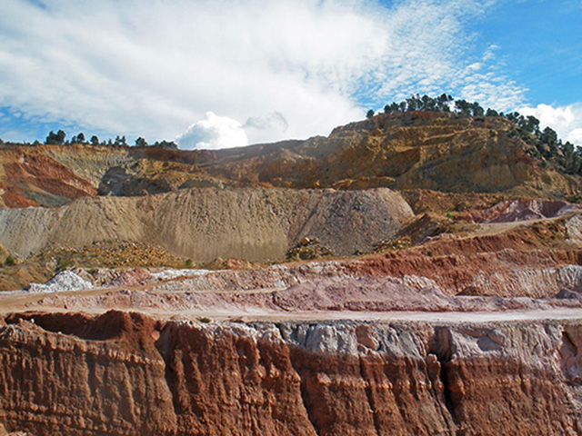 Estratos mina a prospectar