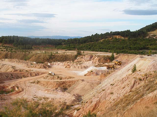 imagen general de una mina a cielo abierto.