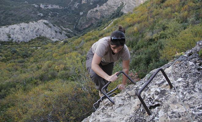 Olga escalando