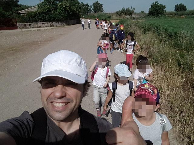 Qeteo guia a los escolares en una expedición al río Ebro